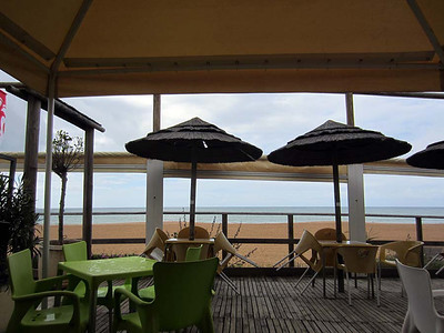 Albufeira, Algarve : along the beach on a stormy Sunday morning [Vivienne]