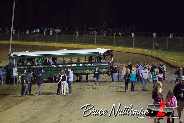 Cedar Lake Speedway, Bus Race