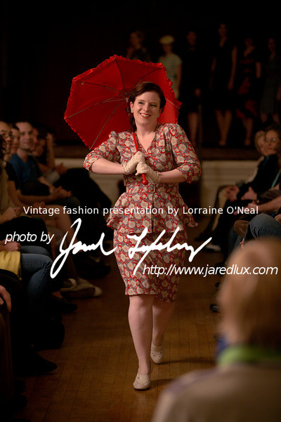 vintage_fashion_show_09_f2843784.jpg
