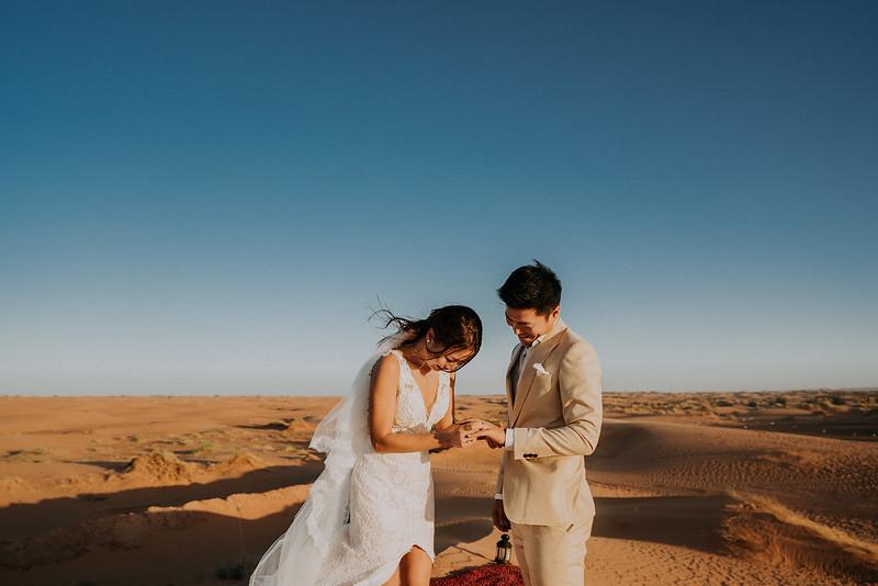 Tu-Nguyen-Destination-Wedding-Photographer-Morocco-Videographer-Sahara-Elopement-492.jpg