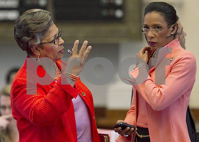 report-indicted-texas-rep-dawnna-dukes-spent-51k-on-online-psychic