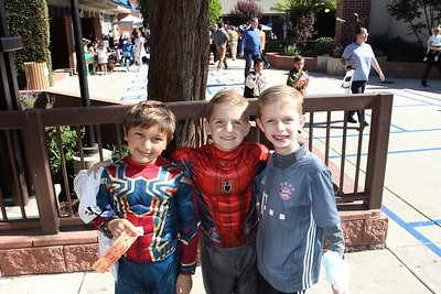 Mayfield Jr. 8th-Graders Organize Harvest Festival