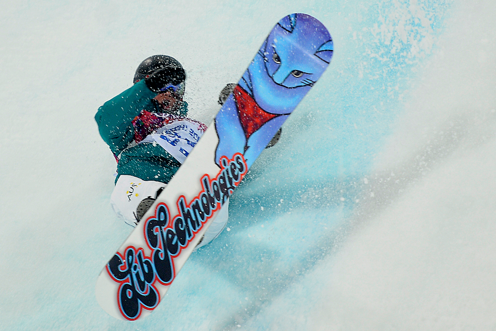 . Australia\'s Kent Callister wipes out during the men\'s snowboard halfpipe final. Sochi 2014 Winter Olympics on Tuesday, February 11, 2014. (Photo by AAron Ontiveroz/The Denver Post)