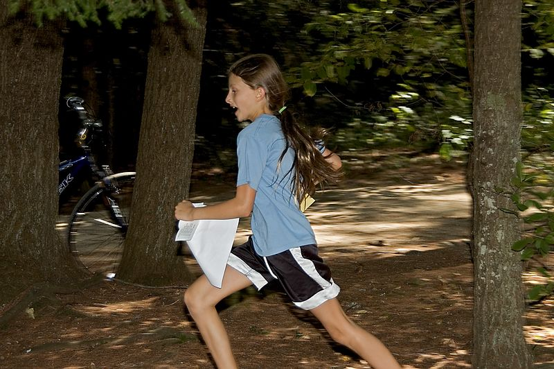 Melissa Gray races to the foot-O finish