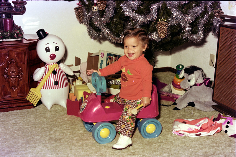 1975-12-30 #13 Anthony's 1st Birthday.jpg