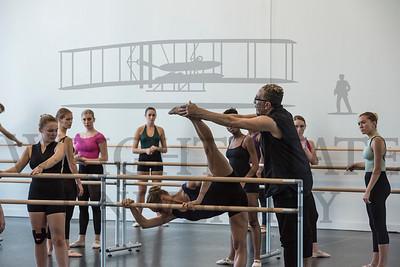 19481 Complexions Contemporary Ballet Master Calss 10-2-17