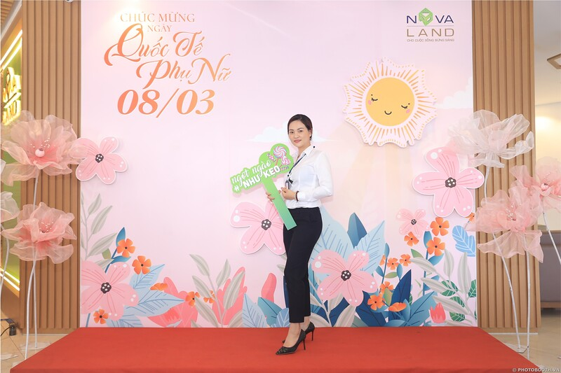 Novaland Group   Ham Nghi Office Women's Day March 8 instant print photo booth   Chụp hình lấy liền Sự kiện 8 Tháng 3   Photobooth Saigon