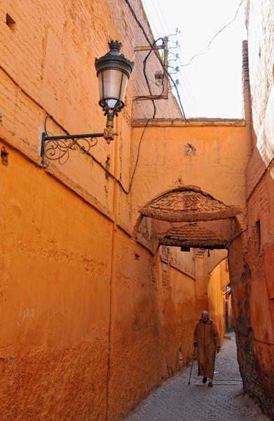 Gasse in der Medina von Marrakesch