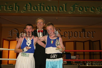 Harry Mc Cavock (MC) with boxers Gary Maginn and John Kerr. 06W27S23