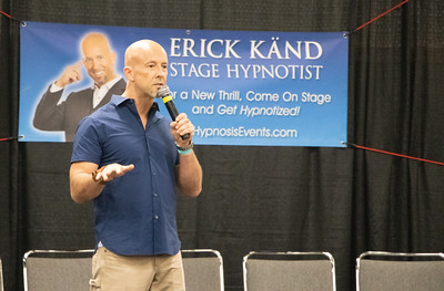 Erick Kand Stage Hypnosis