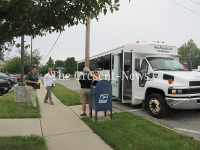 06-19-18 NEWS Bus tour