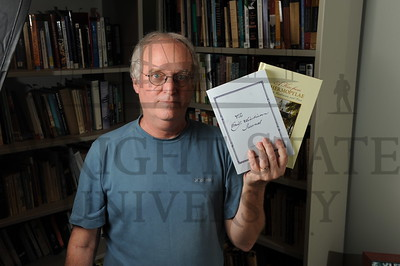 15703 English Professor Jim Guthrie for Newsroom 5-6-15