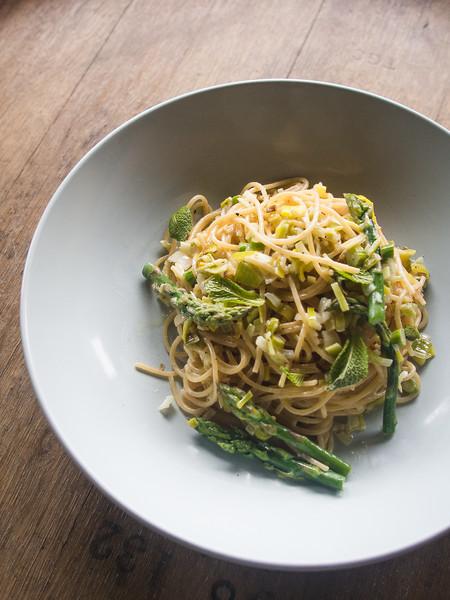 asparagus pasta on barrel 2.jpg