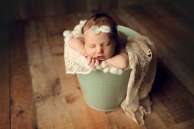 Everly T Newborn