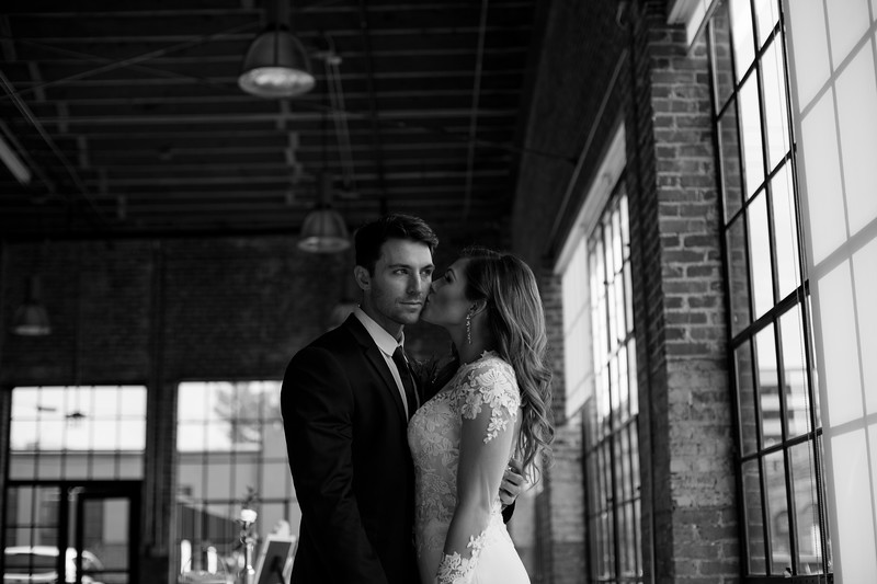 Kate&Josh_B&W_ZACH.WATHEN.PHOTOGRAPHER-299.jpg