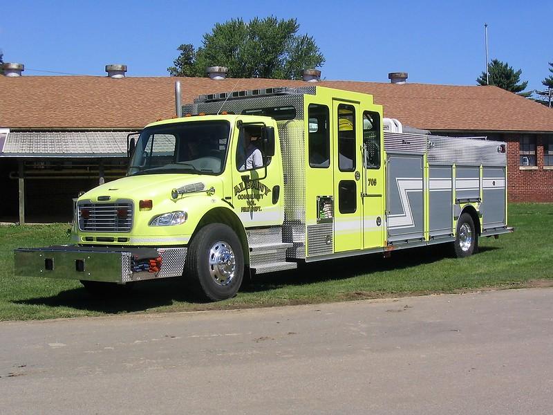 ALBANY  ENGINE 706  FREIGHTLINER - CUSTON FIRE.jpg