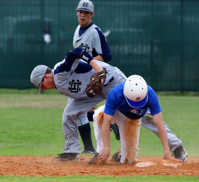 \\hcadmin\d$\Faculty\Home\slyons\HC Photo Folders\HC Baseball vs Ehret_2_4_12\SEL 192.JPG