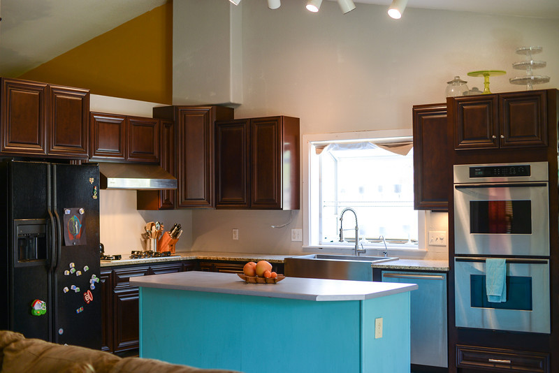 kitchen uppers (3 of 4).jpg