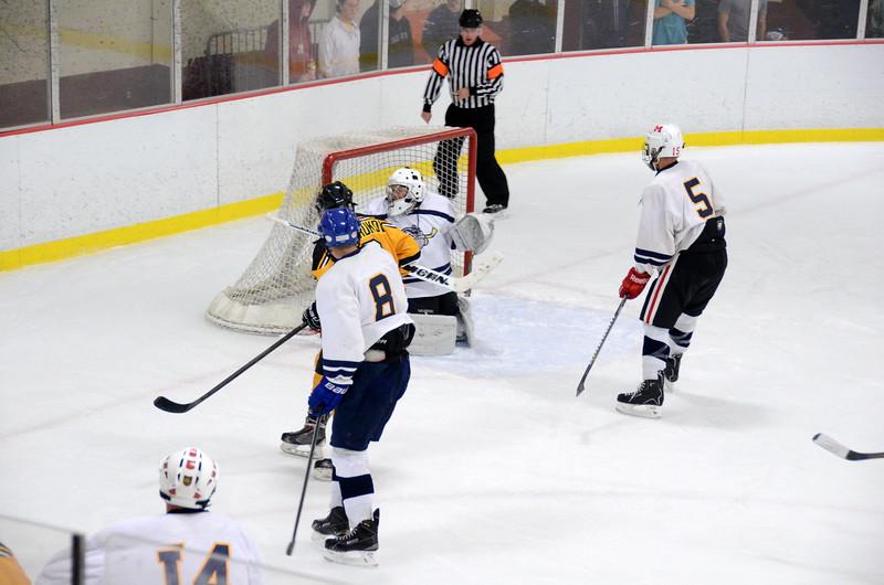 141004 Jr. Bruins vs. Boston Bulldogs-087.JPG