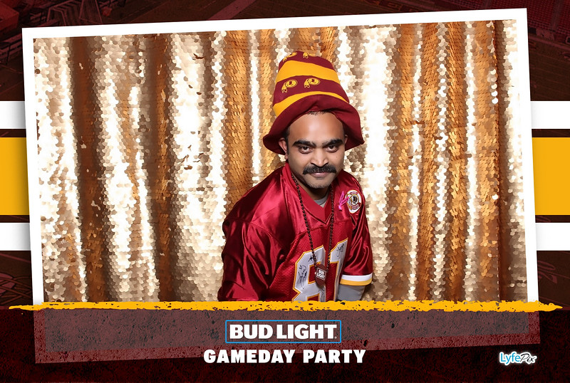 washington-redskins-philadelphia-eagles-football-bud-light-photobooth-20181203-204156.jpg