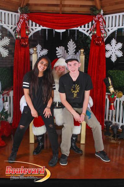 Santa 12-10-16-397.jpg