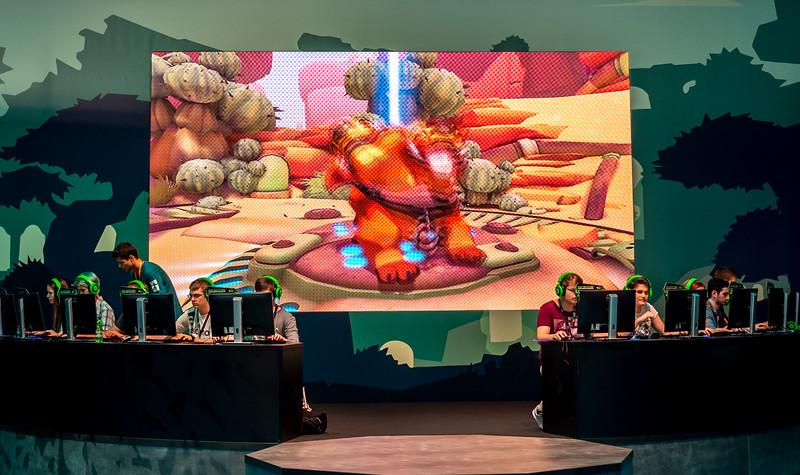 Gigantic at Gamescom 2015