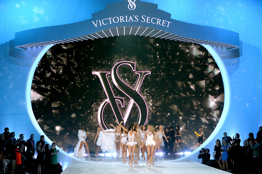 . Models walk the runway at the 2013 Victoria\'s Secret Fashion Show at Lexington Avenue Armory on November 13, 2013 in New York City.  (Photo by Dimitrios Kambouris/Getty Images for Victoria\'s Secret)