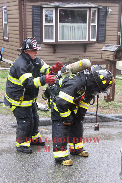 Wakefield, MA - Working Fire, 7 Holland Lane, 4-13-11
