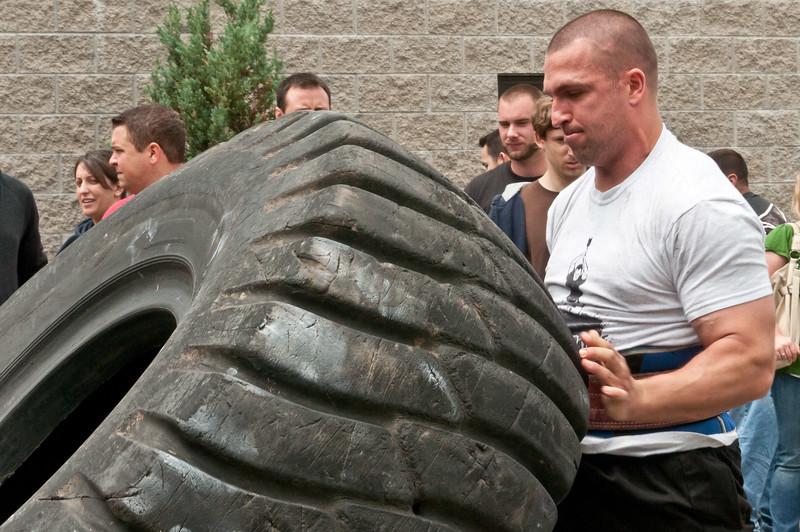 Fitness Revolution Strongman Challenge 2011_ERF4226.jpg