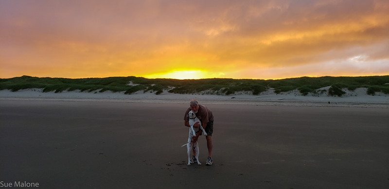 Beach sunrise-7.jpg
