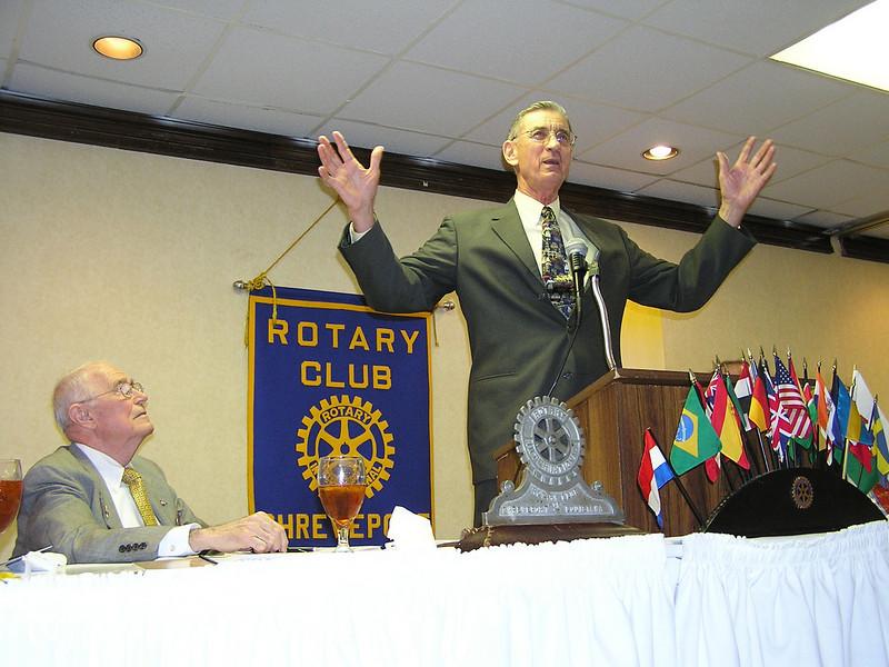 06 3-21 Millard speaks to Rotary Club 3-21-06.jpg