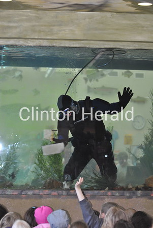 4/5/2013 Eco Center aquarium cleaning
