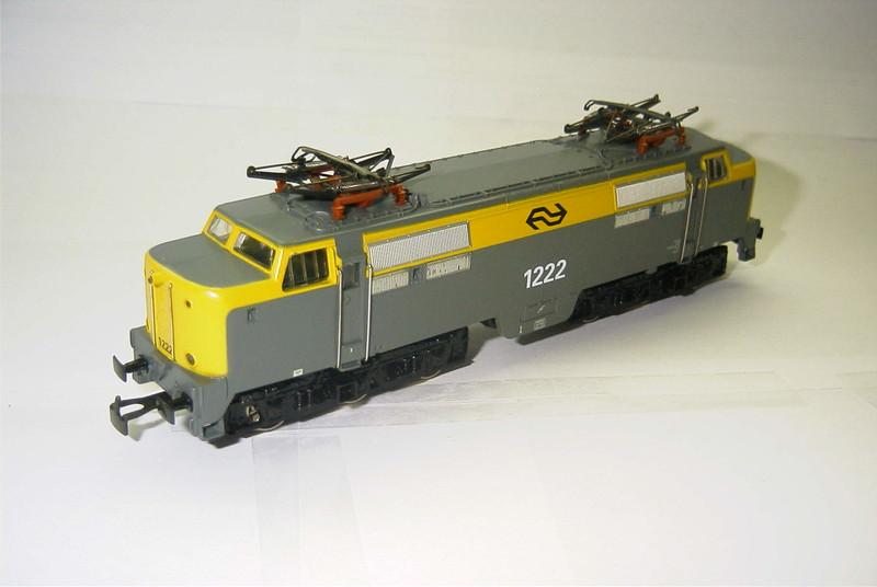 3055.6x NS 1222 schuin.JPG