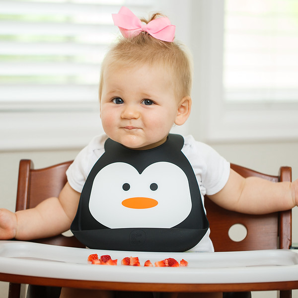 Make_My_Day_Bib_Penguin_lifestyle (1) - SD.jpg
