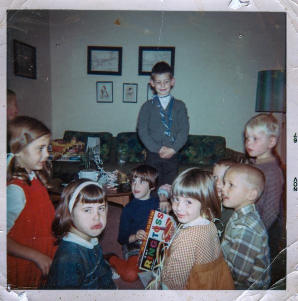 1967-11 michelle friends