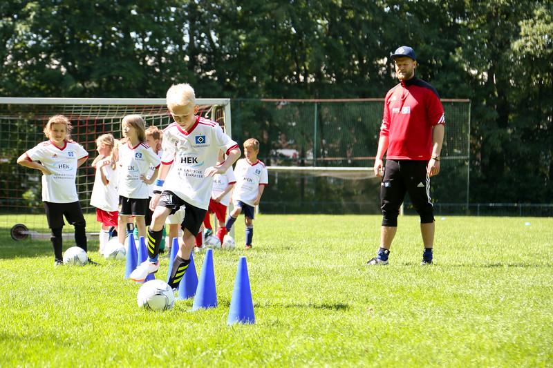 hsv_fussballschule-381_48047996428_o.jpg