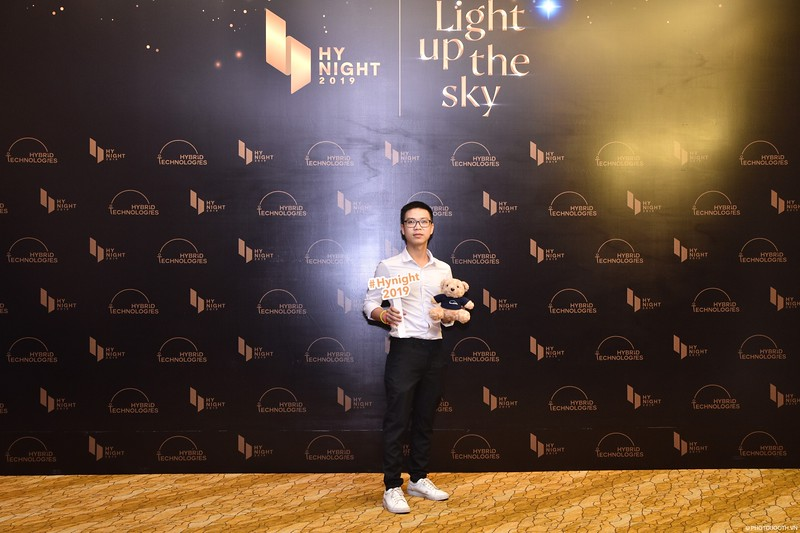 Hybrid-Technologies-year-end-party-instant-print-photo-booth-in-Hanoi-Chup-hinh-lay-ngay-Tat-nien-WefieBox-Photobooth-Hanoi-30.jpg