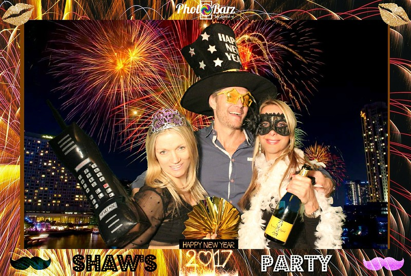 Shaws NYDay Party (12).jpg