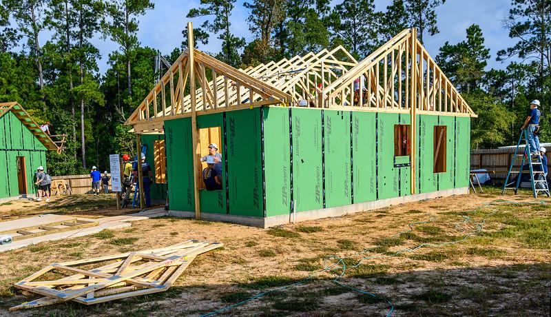 Don Rueter - Habitat Truss Raising-18.jpg