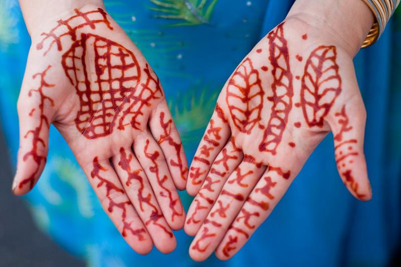 henna-hands_6031388328_o.jpg