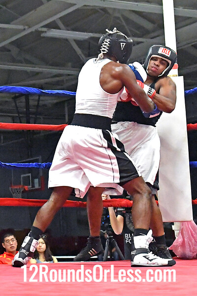 Boput 8 Stan Davis, Blue Gloves, M.O.B. Boxing -vs- Charles Paschal, Red Gloves, Cleveland BC, 178 Lbs, Novice