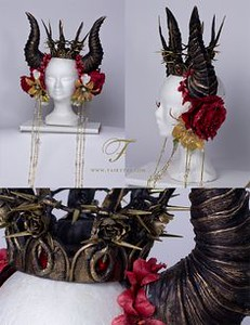 7071006c62336e51aa508431353913ad--rose-thorns-fantasy-costumes.jpg
