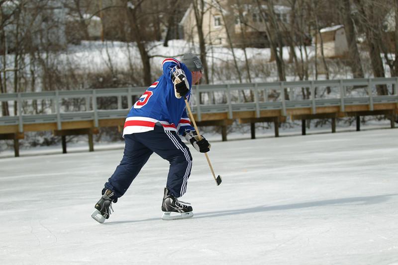 20140208_EMCphotography_PondHockeyCongersLakeNY-36.jpg