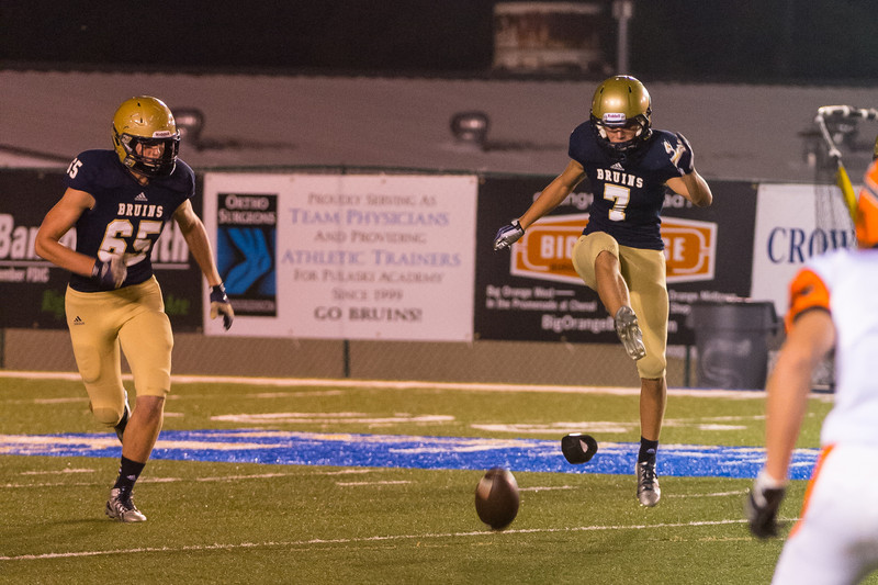 Sports-Football-Pulaski Academy vs Warren 09122013-21.jpg