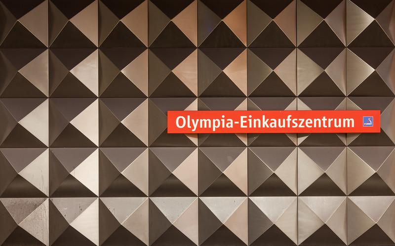 Olympia-Einkaufszentrum (subway station)