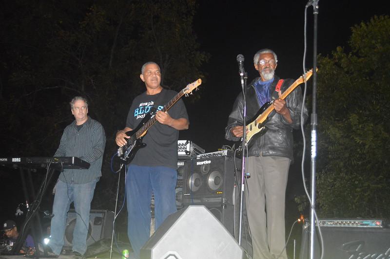 135 Duwayne Burnside Band.jpg