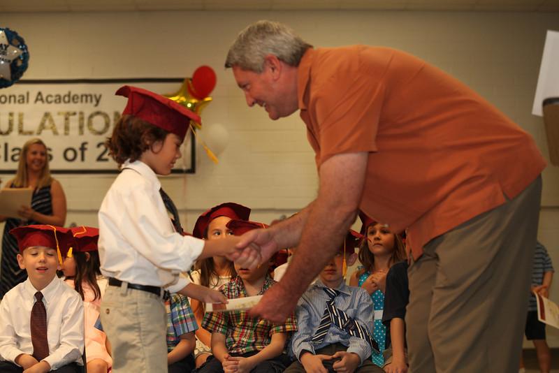 2012May18_MTA Kinder Grad_9689.JPG
