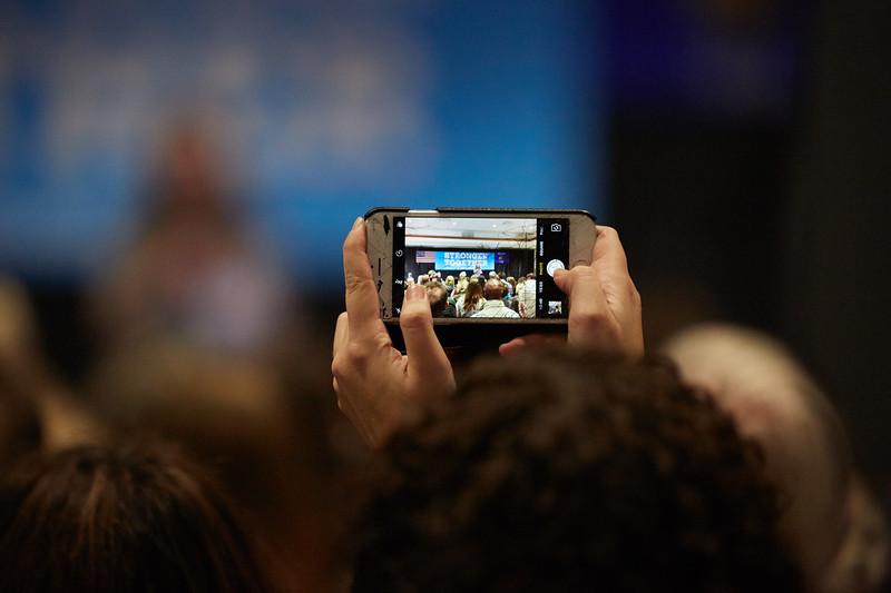 Activity; Speaking; Buildings; Cleary; Location; Inside; Type of Photography; Candid; UWL UW-L UW-La Crosse University of Wisconsin-La Crosse; Chelsea Clinton campaigns for Hillary Clinton at UW-LaCrosse