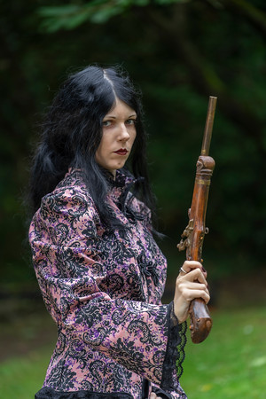Eva Crookes and her pistols