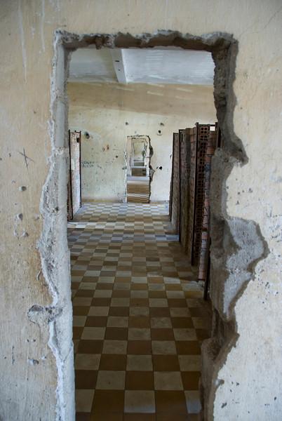 Makeshift doors in Building B of Toule Seng Prison